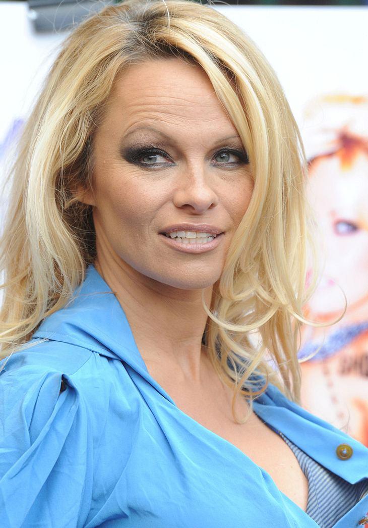 Pamela Anderson zu sexy für Flughafen
