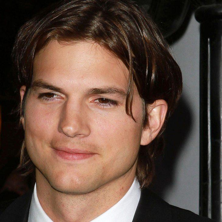 Ashton Kutcher & Jon Cryer: Nackte Tatsachen