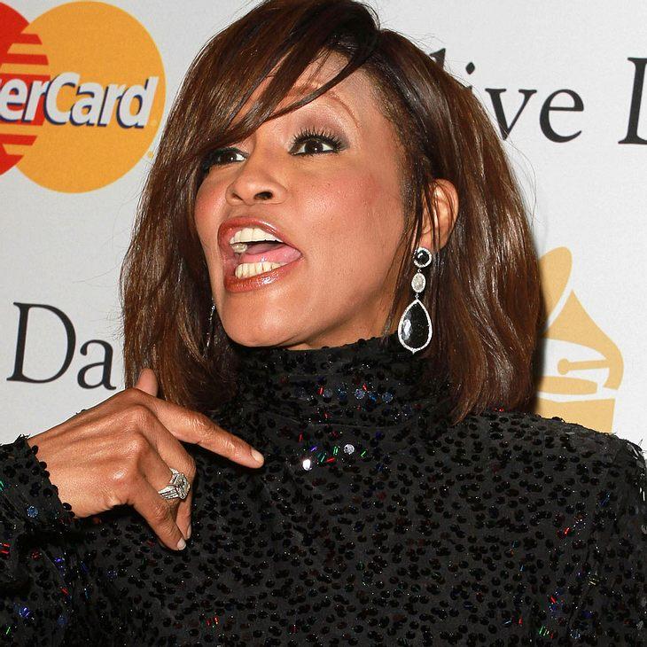Whitney Houston rastete in einem Flugzeug aus, weil sie sich nicht anschnallen wollte.