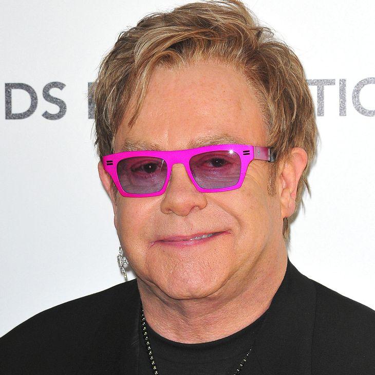 Elton John überwindet Technik-Phobie