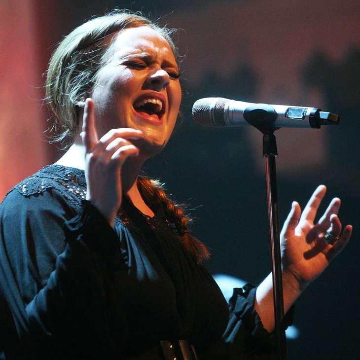 Adele verdrängt Britney Spears