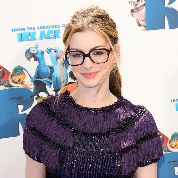 Anne Hathaway liebt ihren Kurzhaarschnitt