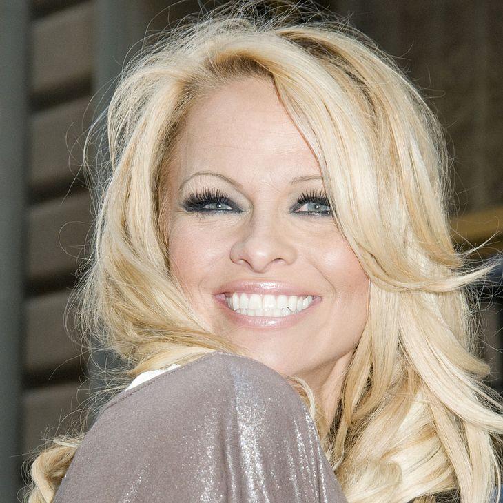 Pamela Anderson will dänischer Königin an den Pelz