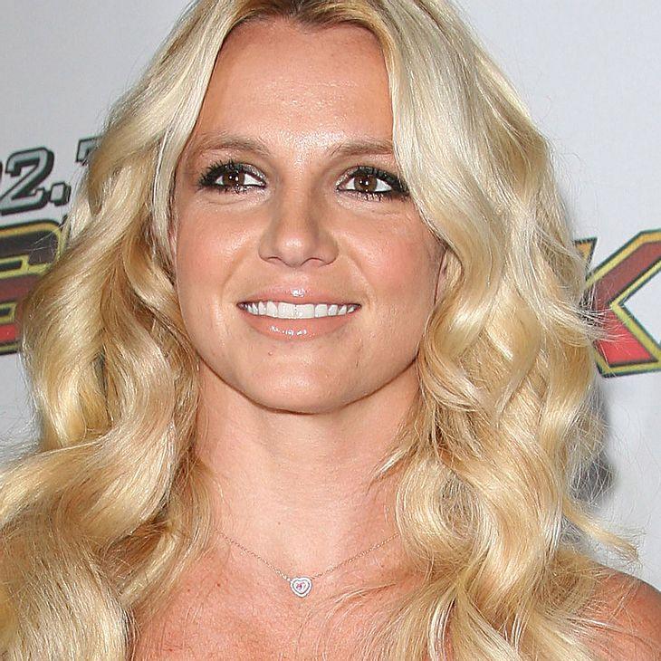 Britney Spears: Von Fan gebissen