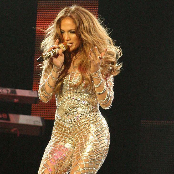 Jennifer Lopez tanzt technische Panne einfach weg
