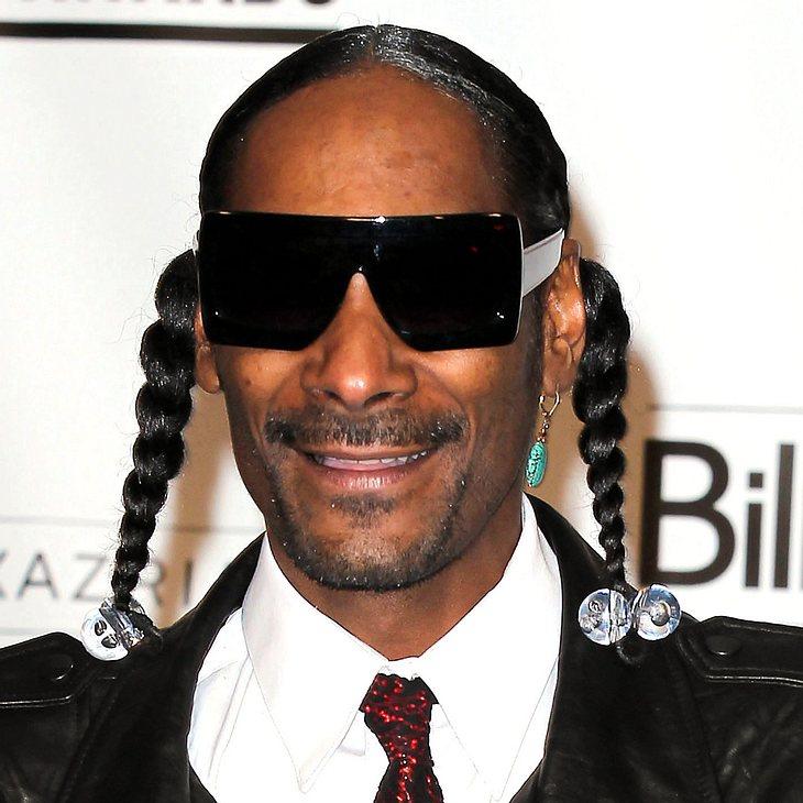 Snoop Dogg lässt sich bei der Arbeit zusehen