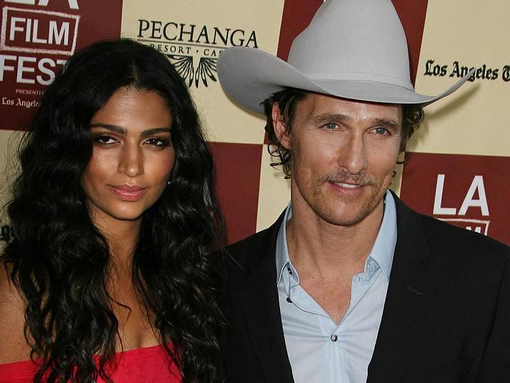 Matthew McConaughey und seine Langzeitfreundin Camila Alves haben sich verlobt.
