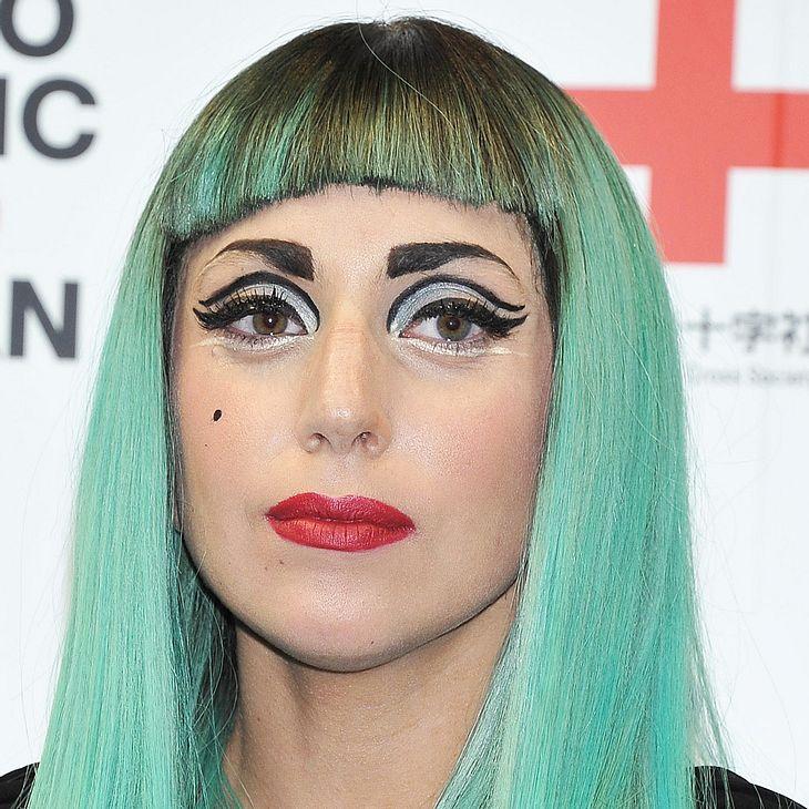 Lady Gaga: Mit Eiern beworfen