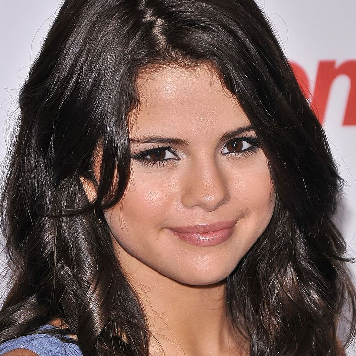 Selena Gomez meidet das Internet