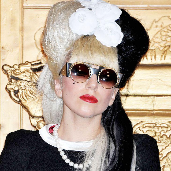 Lady Gaga bricht im Fernsehen in Tränen aus