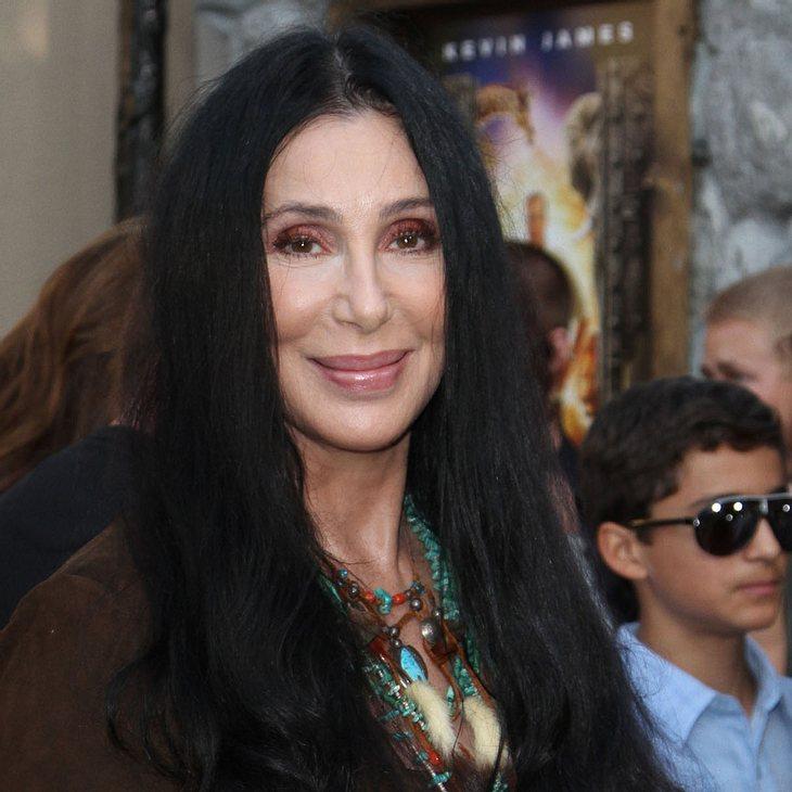 Cher leidet unter Rückenproblemen