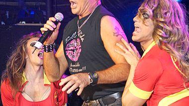 David Hasselhoff: Auftritt in Schwulenclub
