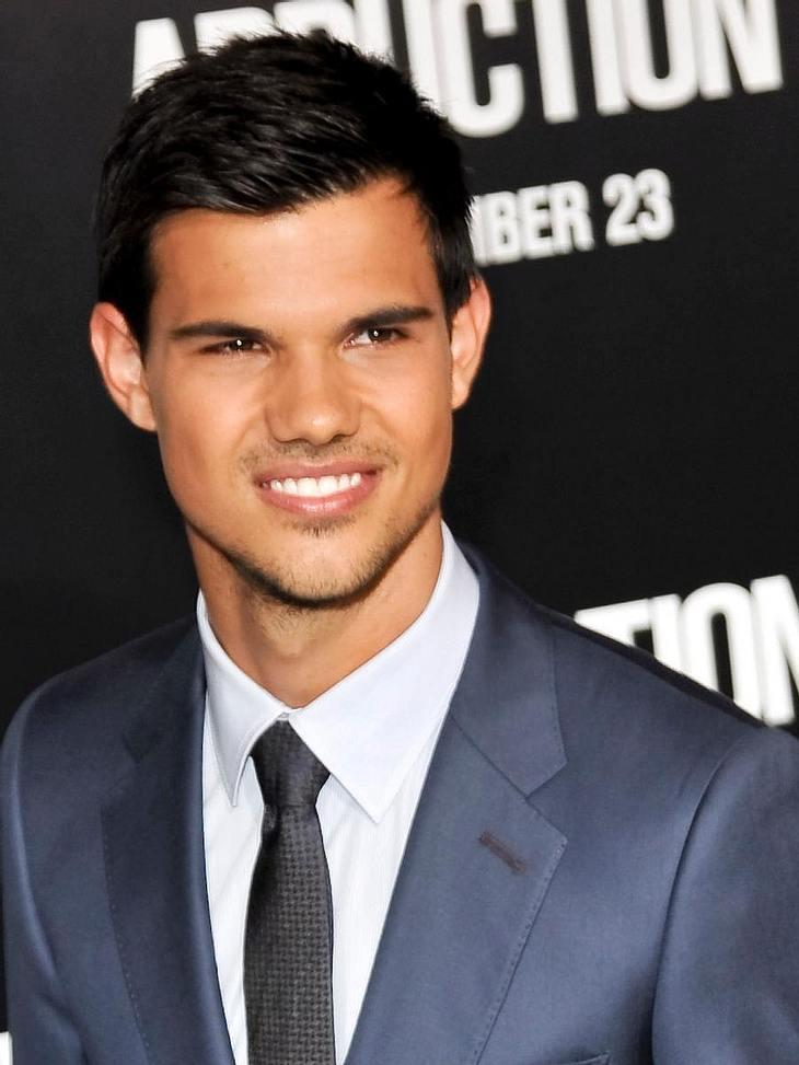 """Stars und ihre DoppelgängerCheeese! Der """"Twilight""""-Werwolf Taylor Lautner (20) ist bekannt für sein Zahnpasta-Smile."""