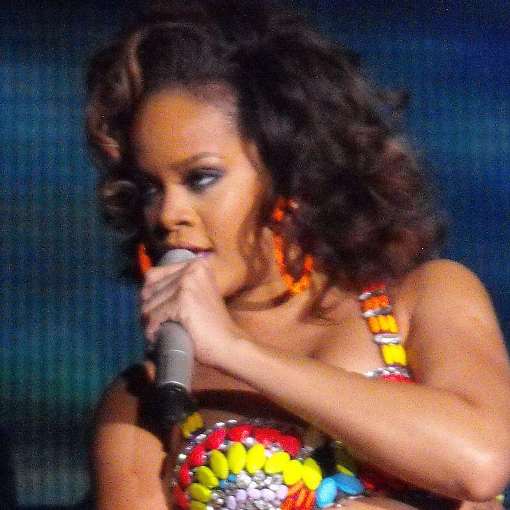 Rihanna entwirft Kollektion für Armani