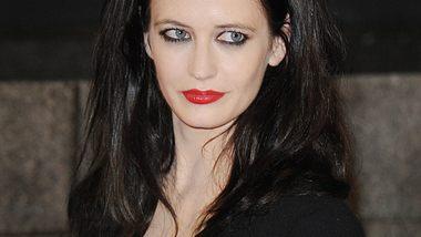 Eva Green lacht über Affären-Gerüchte mit Johnny Depp