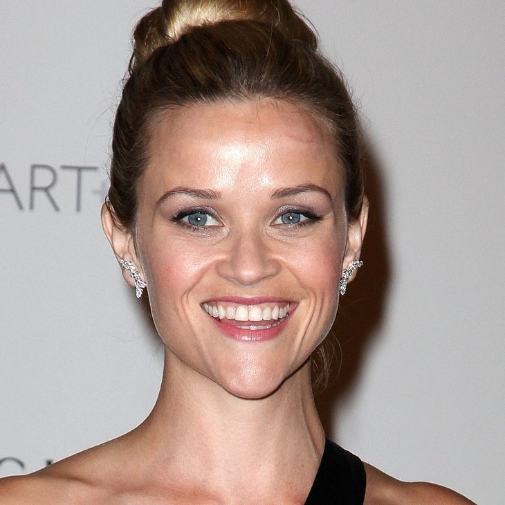 Reese Witherspoon: Finger verletzt