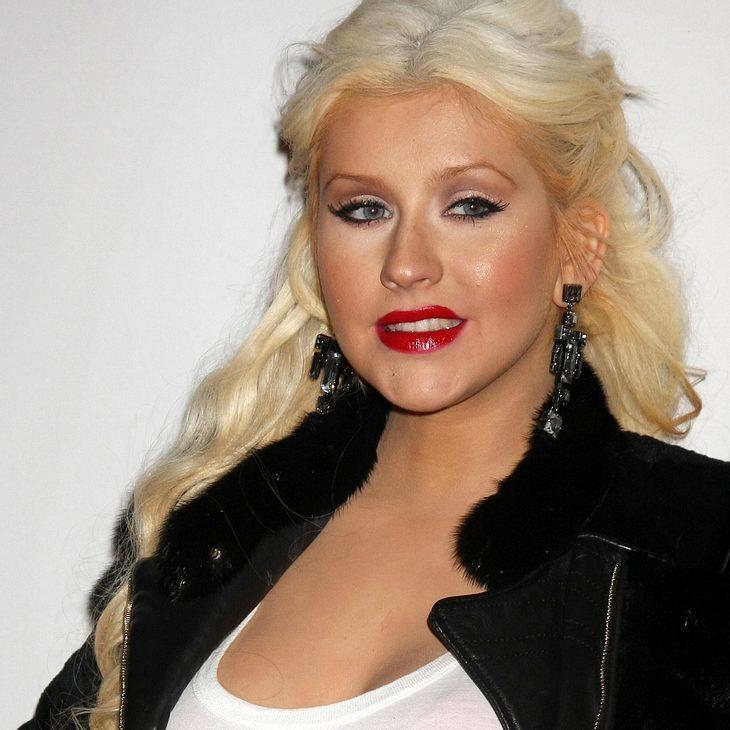 Christina Aguilera macht sich über Adam Levines Parfum lustig