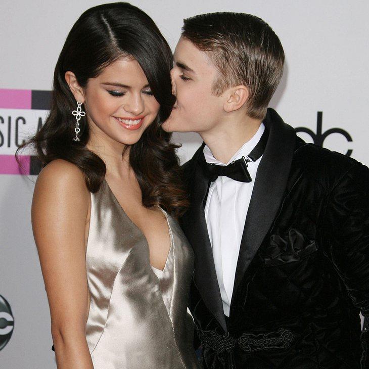 """Justin Bieber & Selena Gomez knutschen für """"kiss-cam"""""""