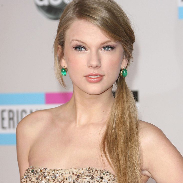 Taylor Swift & Adele räumen bei American Music Awards ab