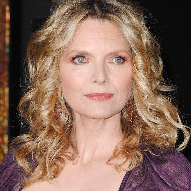 Michelle Pfeiffer verbringt Silvester im Schlafanzug