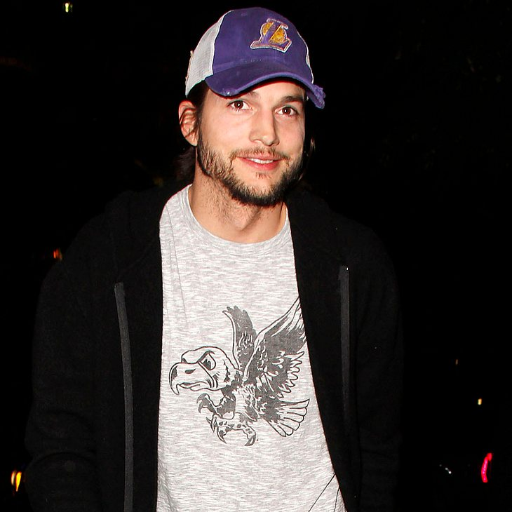 Ashton Kutcher fliegt ins All