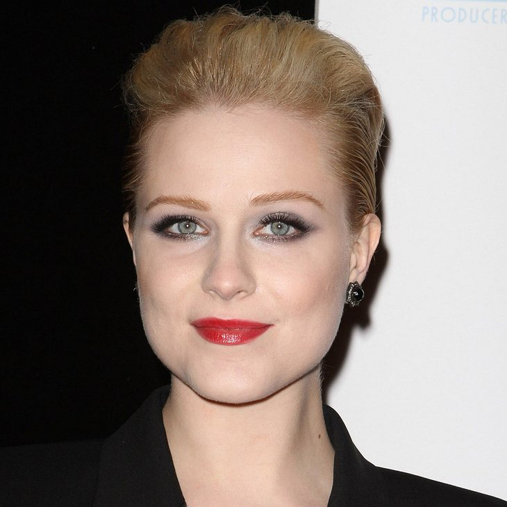 Evan Rachel Wood teilt Piercing-Video mit Fans