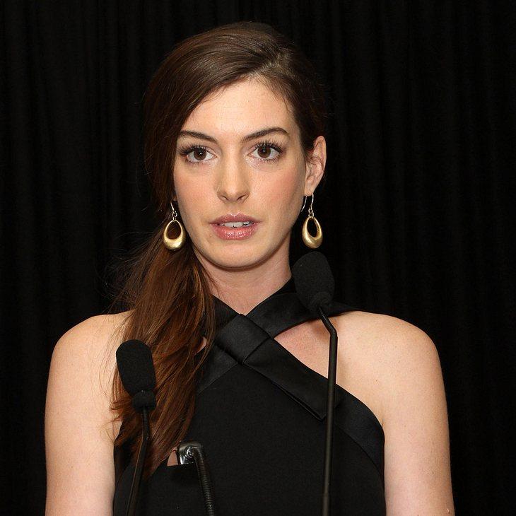 Anne Hathaway: Ungeschickte Catwoman