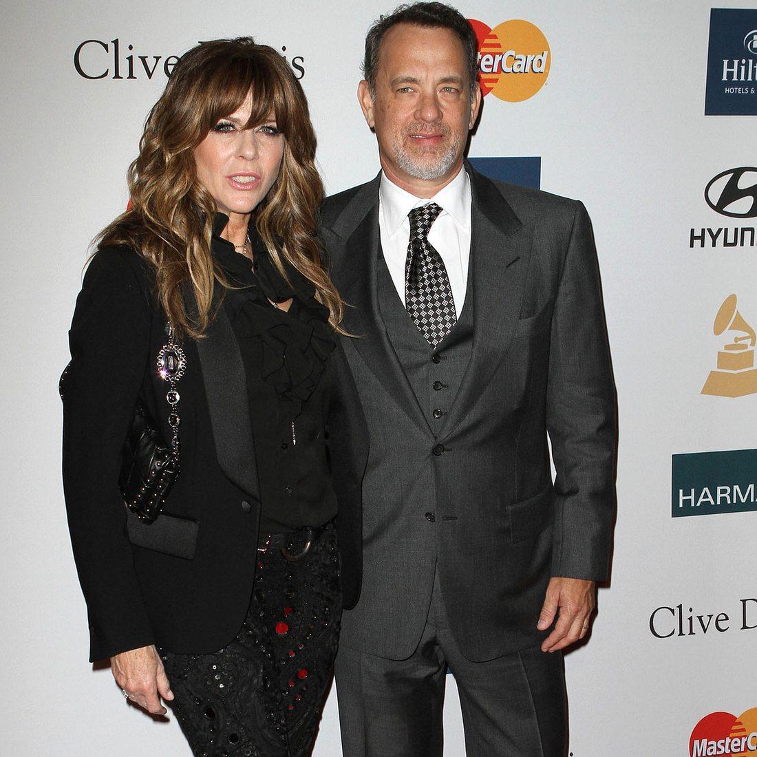 Tom Hanks & Rita Wilson knutschen beim Eishockey