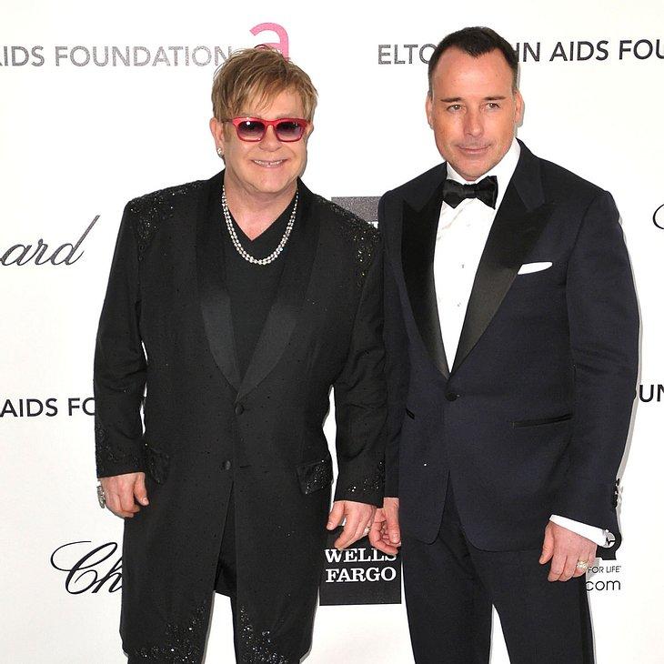 Elton John fordert gleichgeschlechtliche Ehe in England