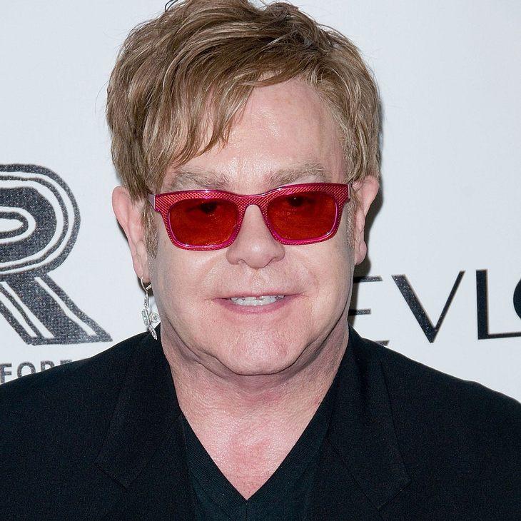 Elton John: Geschenktes Krokodil