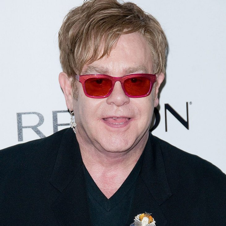 Elton John plant Superparty