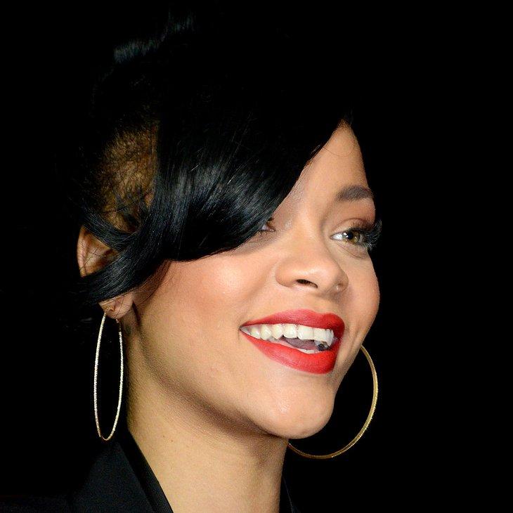 Rihanna zickt bei Interview