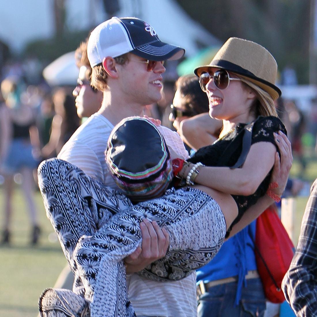 Emma Roberts & Chord Overstreet: Kuscheln bei Coachella