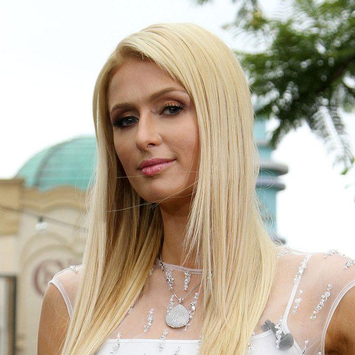 Paris Hilton legt bei Festival auf