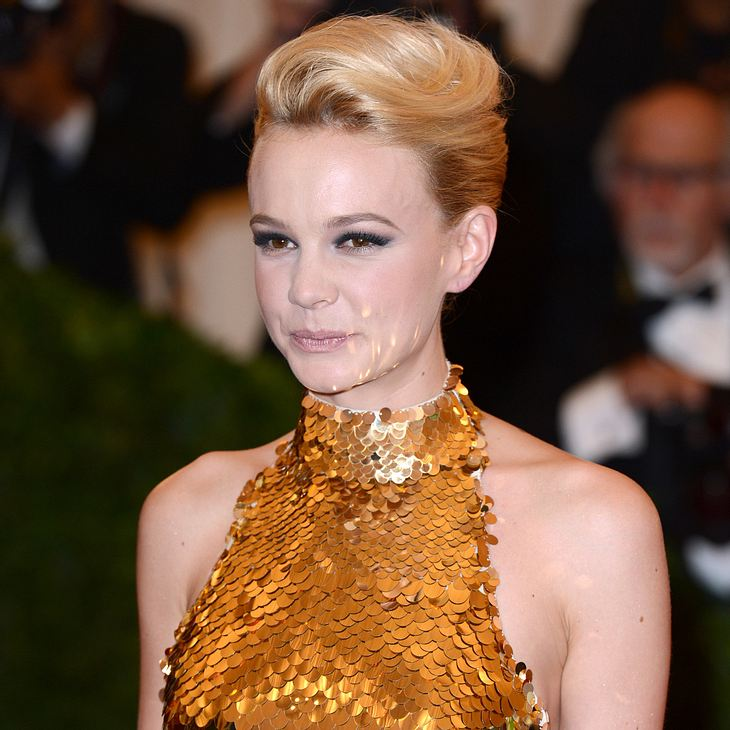 Carey Mulligans Kleid bringt 2.950 Dollar ein
