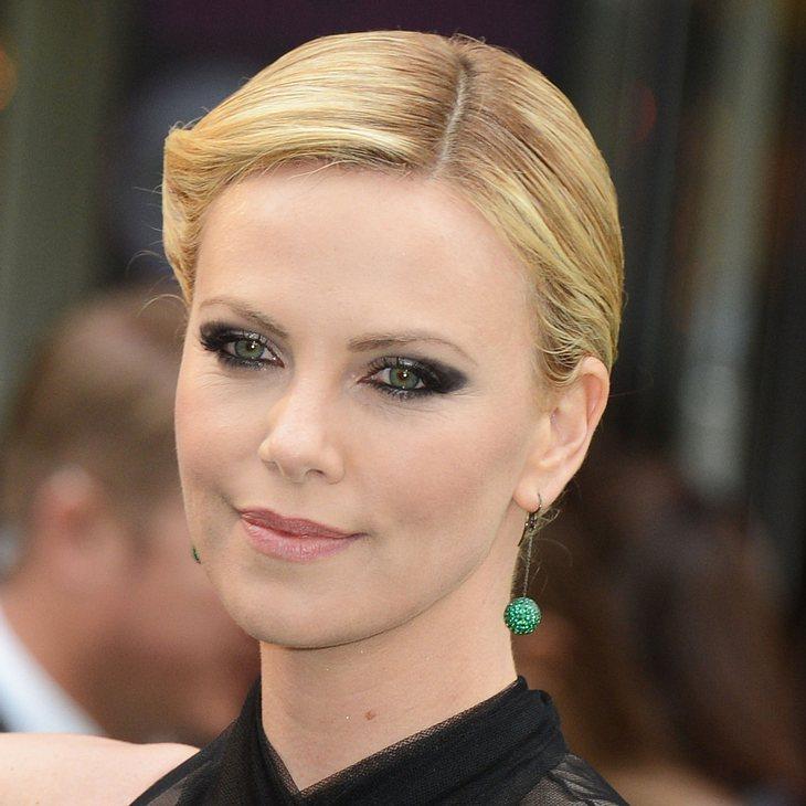 Charlize Theron über Kristen Stewart empört