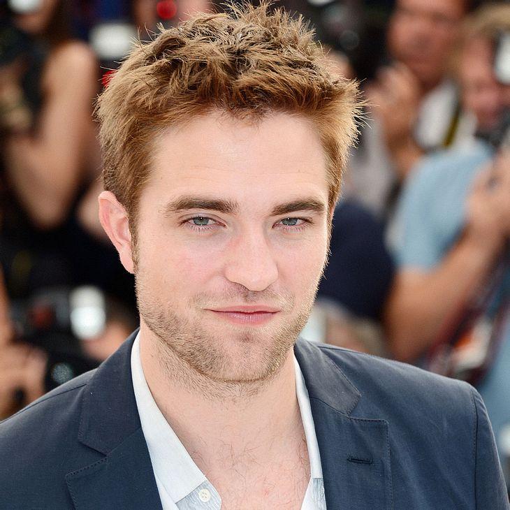 Robert Pattinson stellt sich der Presse