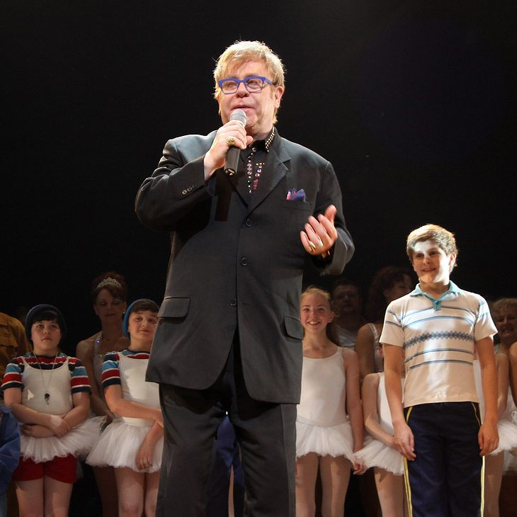 Elton John steht wieder auf der Bühne