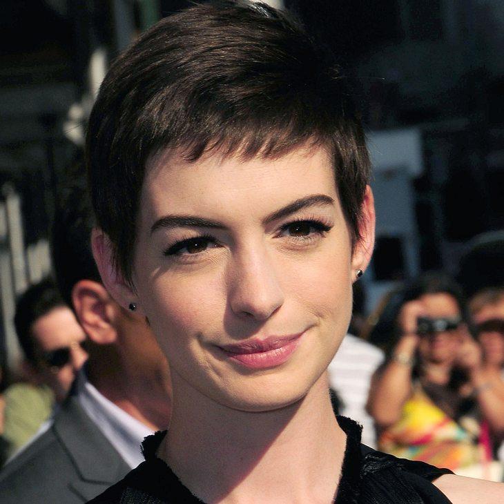 Anne Hathaway verschiebt Hochzeit