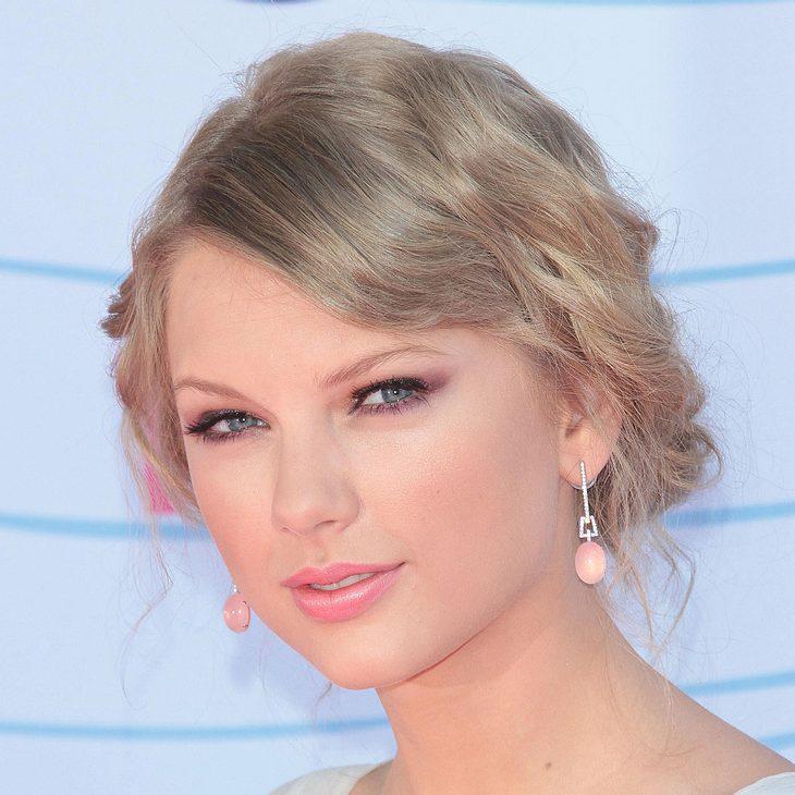 Taylor Swift bändelt mit Kennedy-Sohn an