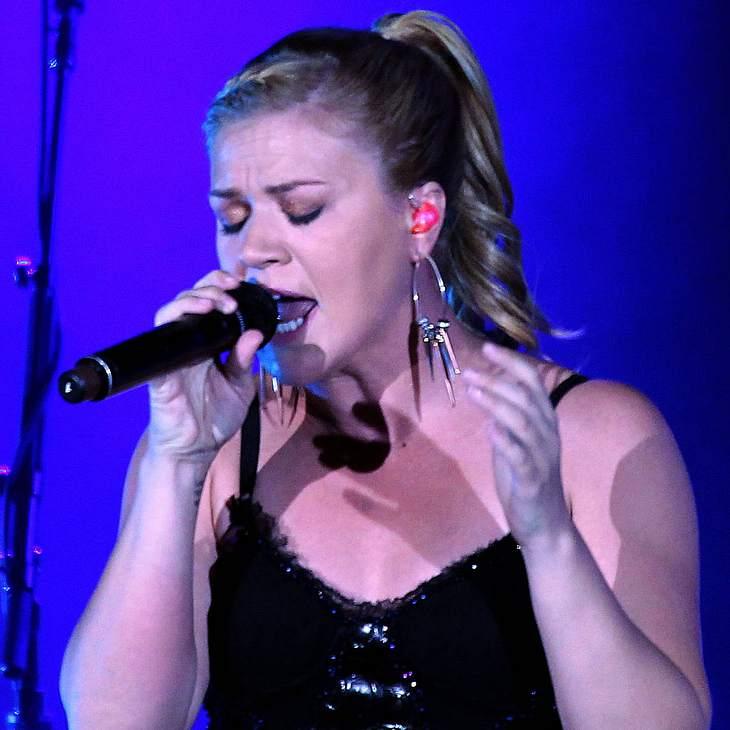 Kelly Clarkson legt sich mit Produzent an
