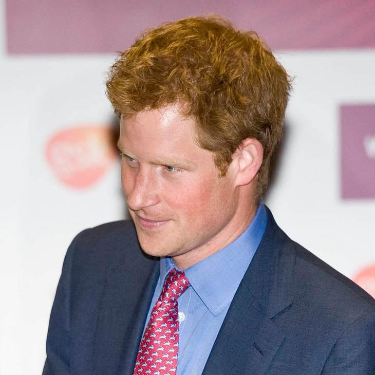 Prinz Harry entschuldigt sich für Nackt-Fotos