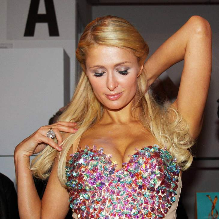Paris Hilton in Indien gesegnet