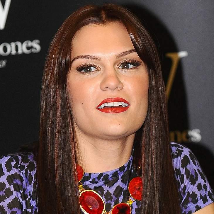 Jessie J will nicht alleine Glatze tragen!