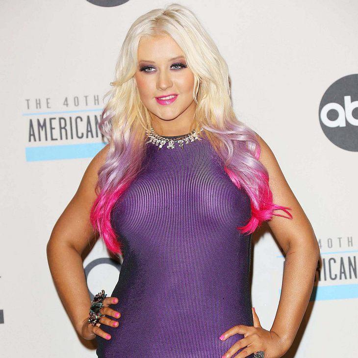 Christina Aguilera tritt bei American Music Awards auf