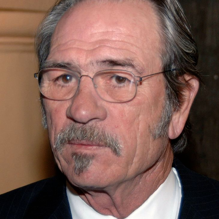 Tommy Lee Jones spielt Kriegshelden