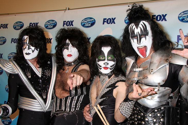 Kiss unterschreiben neuen Plattendeal