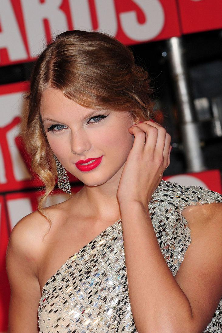 Swift stellt Lautner ihrer Mutter vor