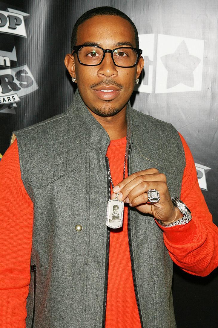 Ludacris, Big Boi und Akon verteilen Truthähne
