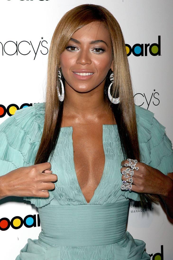 Beyonce crowdsurft bei Gig